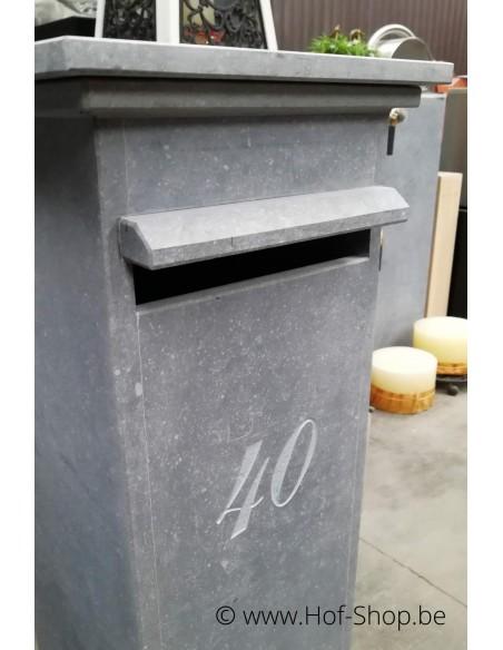 Gravure: nummer op brievenbus Sevilla