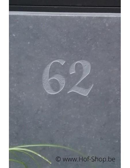 Gravure: nummer op brievenbus Sevilla Parcel (lettertype Martien Van Alem )